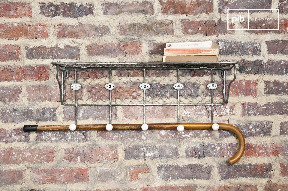 Un accessorio pratico per l'ingresso o per la cucina