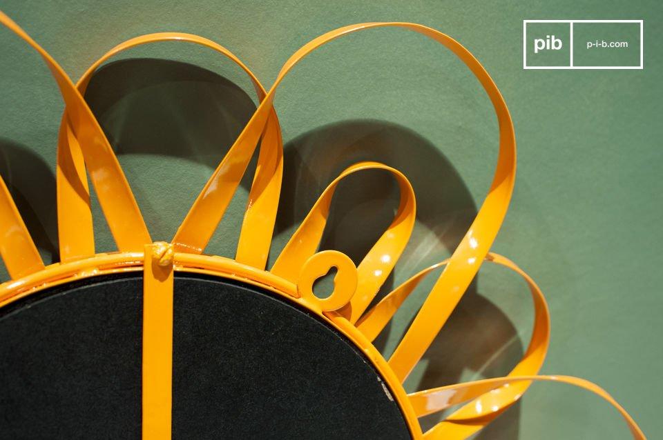 Le miroir Aurinko est un digne représentant des miroir scandinave de la seconde moitié du XXème