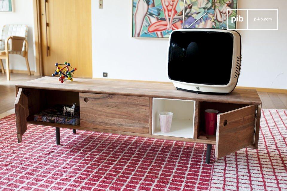 Il mobile da TV vintage Bascole combina una sofisticata cornice scura in metallo con il legno di