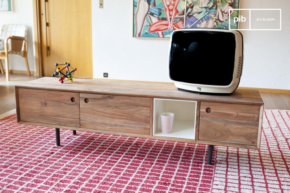 Il design in solido legno di acacia oleato, offre un finish opaco
