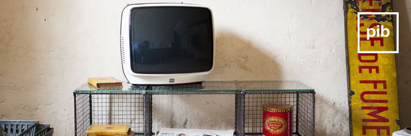 Mobile tv shabby chic, presto di nuovo in collezione
