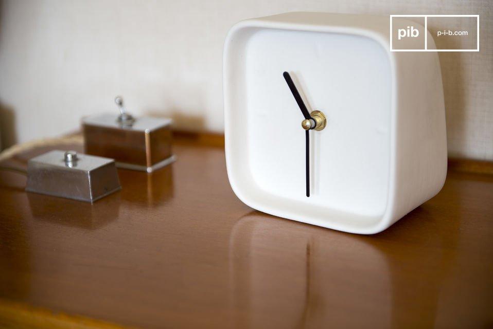 Con il suo meccanismo in quarzo, l\'orologi moderni Fjorden ti aiuterà ad essere puntuale