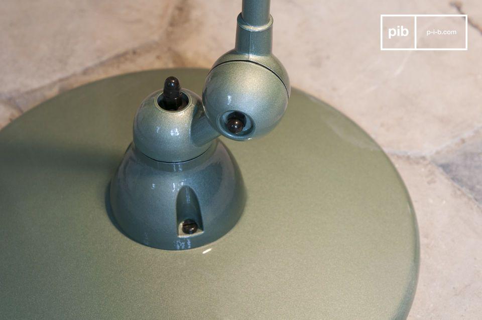 Iconica lampada industriale del XX secolo