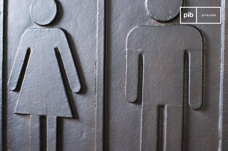 Questa placca metallica aiuterà i tuoi ospiti a trovare la via per il bagno di casa tua e