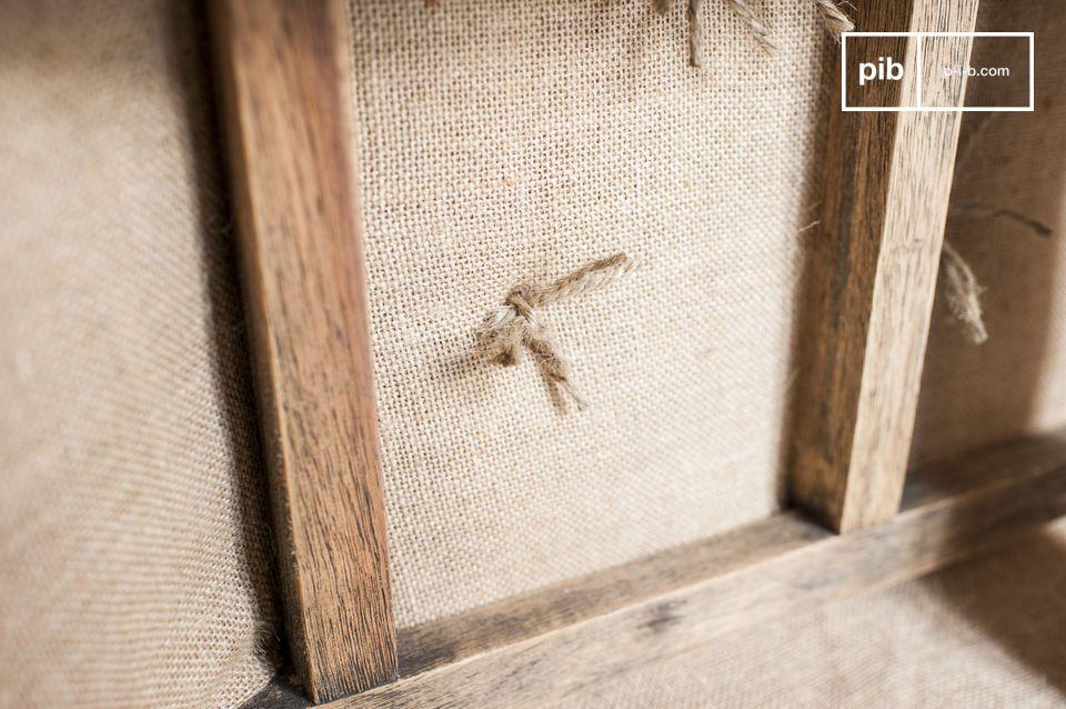 Il charm di un divano chesterfield in lino