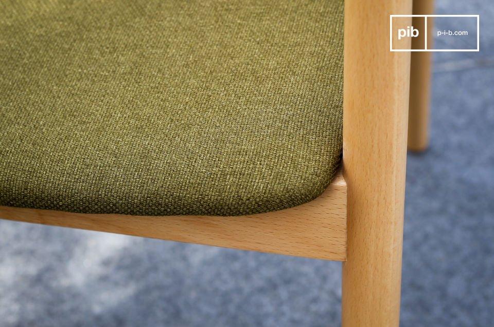 Potete usare questa poltrona intorno ad un tavolo da pranzo o anche davanti ad una scrivania