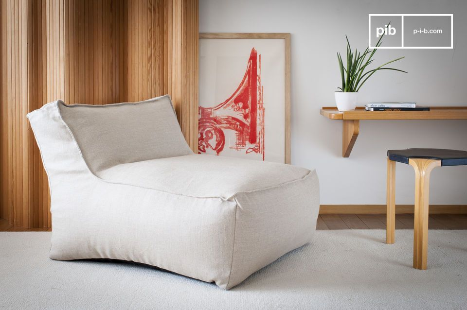 Questa elegante poltrona da salotto italiana rivoluzionerà la vostra visione di sedie occasionali