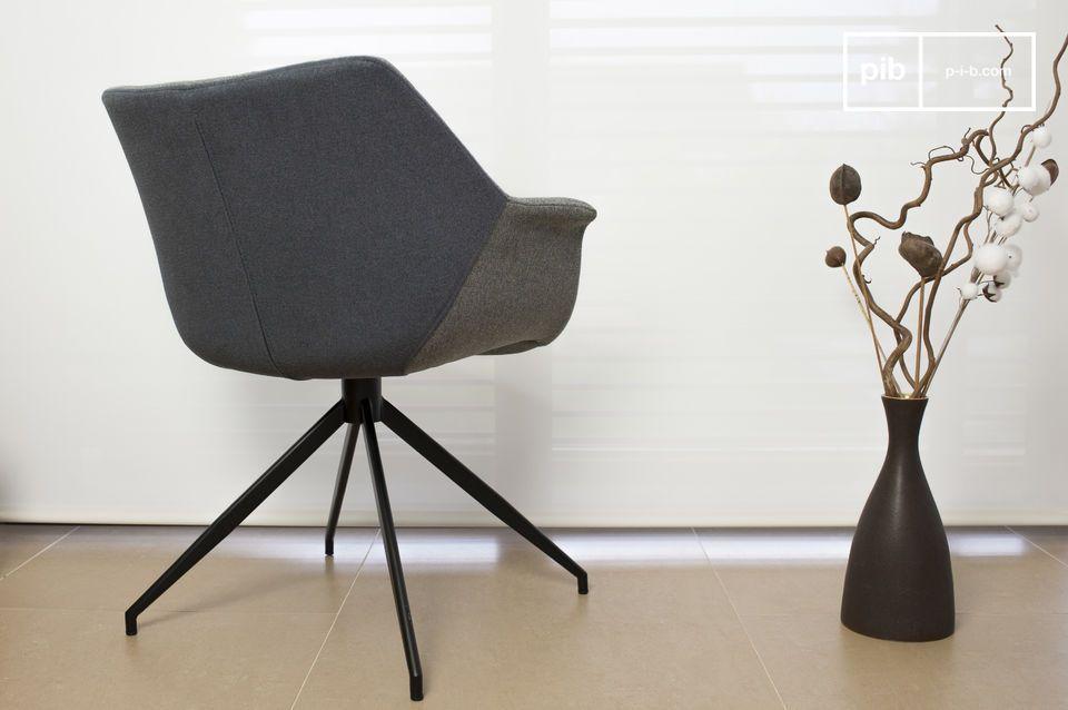 La poltrona Grimsson è un bellissimo esempio dei mobili scandinavi tipici degli anni \'60