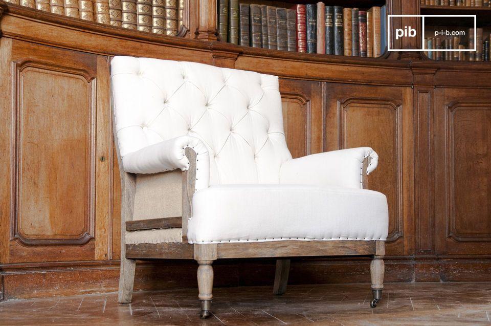 Per quanto riguarda il tessuto, è realizzato in lino e cotone