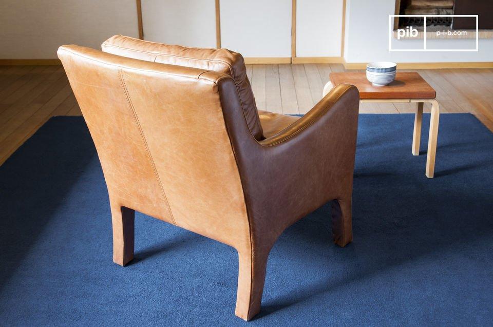 Con lo stile elegante, le sedie design presentano uno stile retro senza tempo