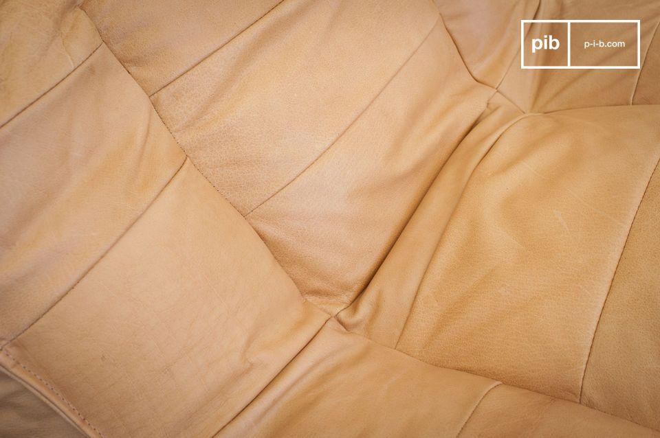 Declinata in una bella tonalità di marrone chiaro