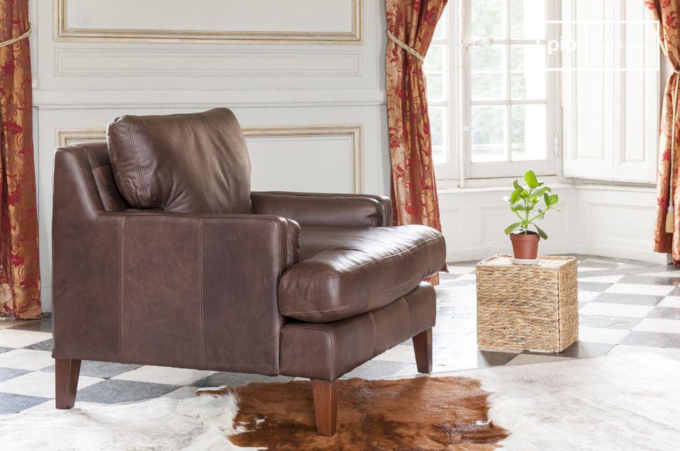 Design senza tempo, realizzata in pelle e dal comfort eccezionale
