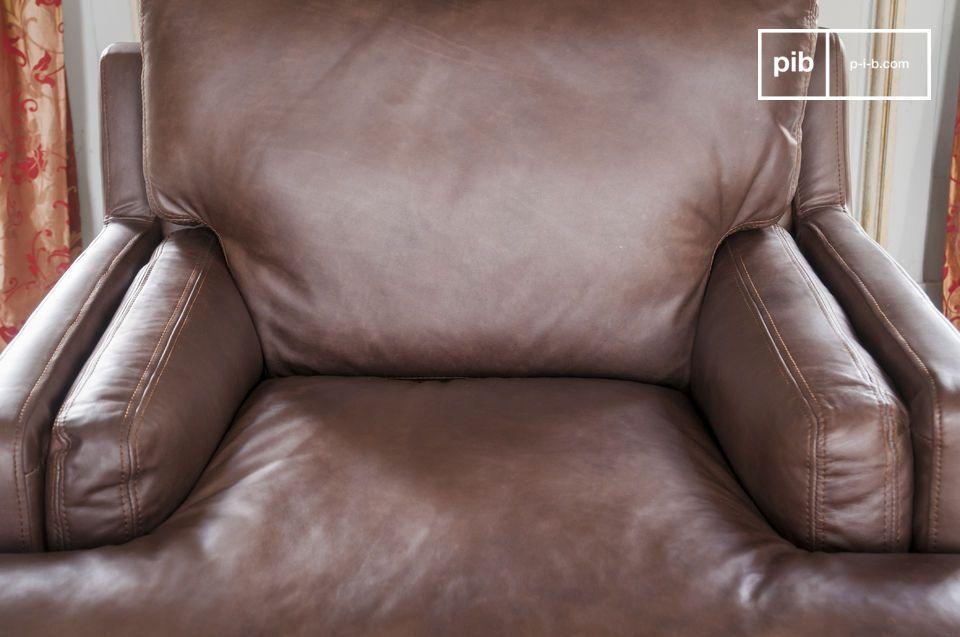 Inoltre offre un comfort ottimale grazie al suo design tradizionale sulle cinghie e molle ed alla