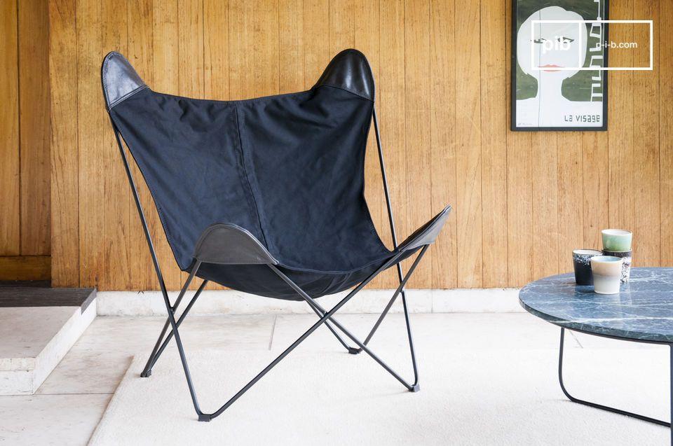 Black Colina è molto più di una poltrona in tela: è un vero e proprio invito al relax