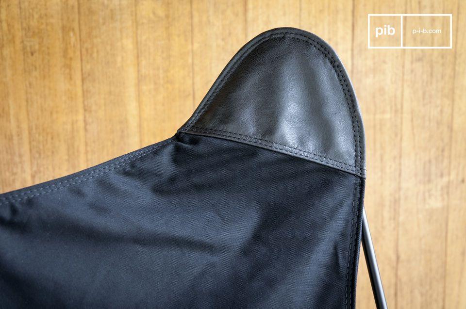 La sua struttura cilindrica in metallo nero opaco è molto fine e contribuisce al suo aspetto
