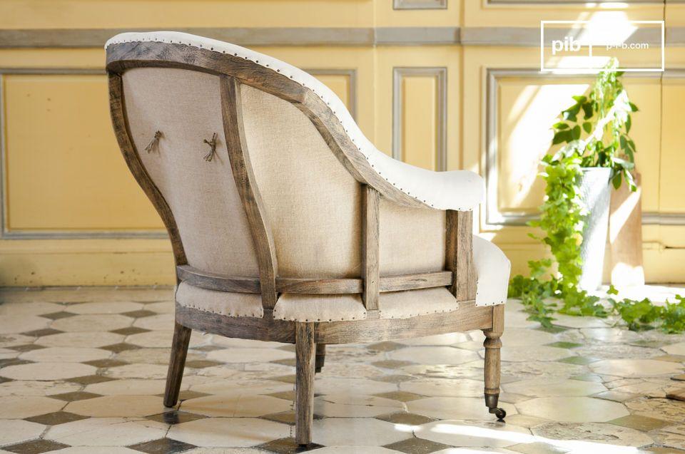 La poltrona rotonda Léonie è una bella poltrona in tessuto bianco che porterà un charm shabby