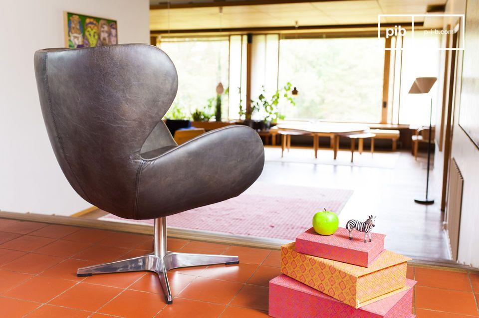 Il resto della sedia è interamente fatto di pelle di alta qualità dallo splendido finish