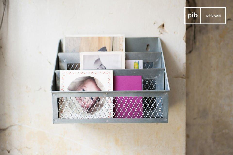Il portalettere in stile vintage Sabir è un accessorio che vi permetterà di organizzare il vostro