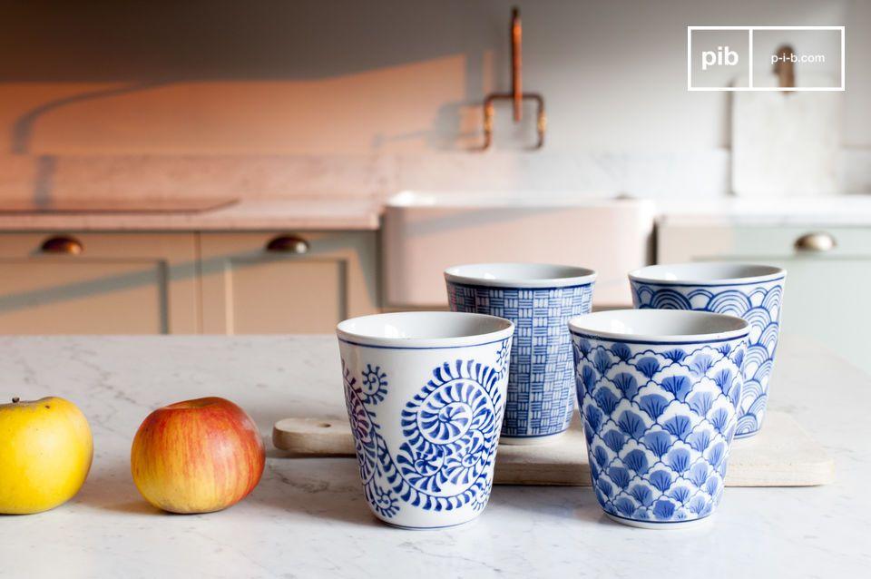 Quattro tazze in porcellana Blue Lagoon