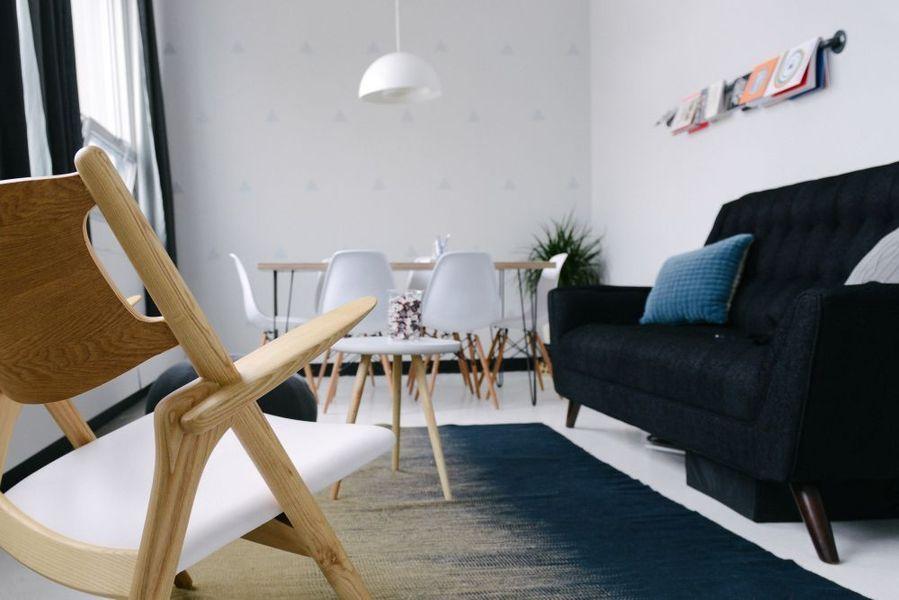 salotto confortevole con divani