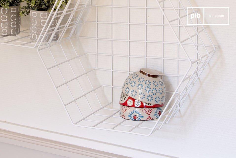 Uno scaffale ideale per mettere in risalto gli oggetti, in soggiorno, bagno o cucina