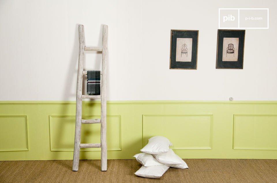 Un tocco naturale per appendere il bucato in bagno o i vestiti in camera da letto