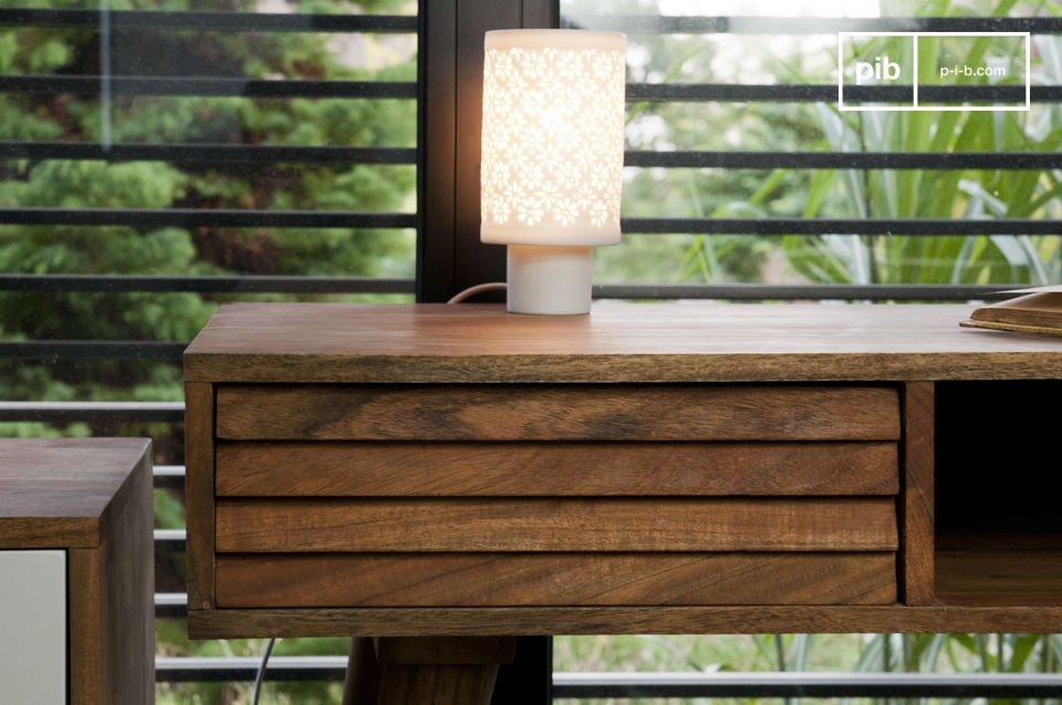 Tipico design anni '50 in solido legno d'acacia