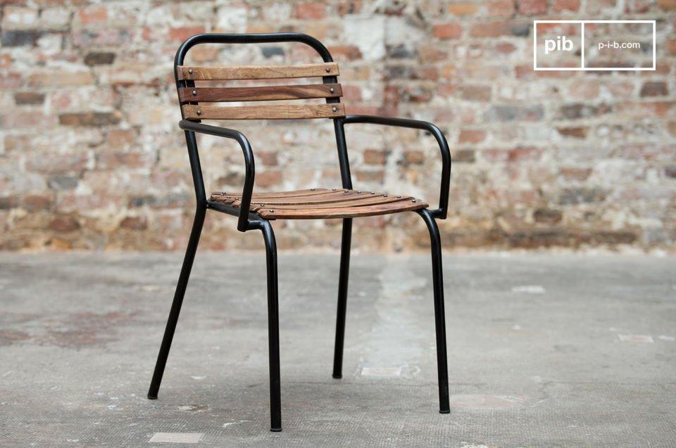 Combinazione di metallo e legno per uno stile industriale vintage