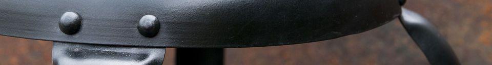 Materiali prima di tutto Sedia da bar con rivetti neri