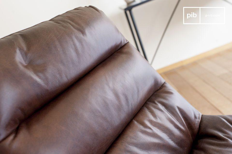 Una sedia da ufficio elegante e straordinariamente resistente in pelle