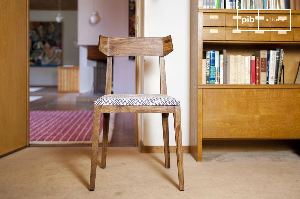 Una sedia design vintage comoda ed elegante