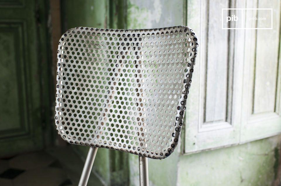 Se avete bisogno di una sedia dal design originale, la sedia Métalo è perfetta
