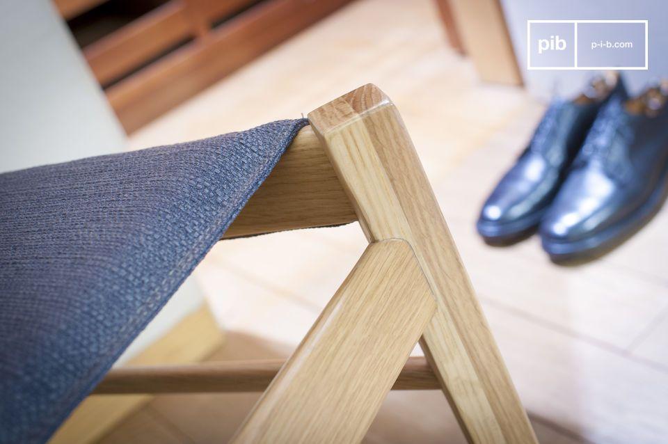 Seduta comfort e legno chiaro per una sedia dagli accenti nordici