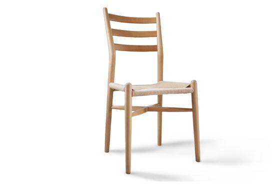 Sedia in legno YSTAD Foto ritagliata