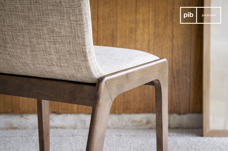 Una sedia robusta e confortevole