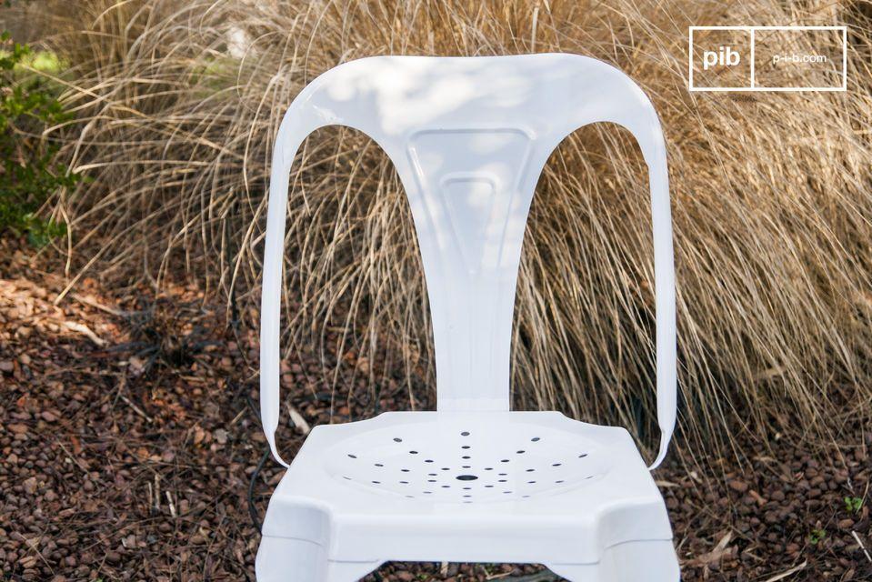 Questa sedia associa lo stile industriale retro del disegno originale di Methieu negli anni 20 ad