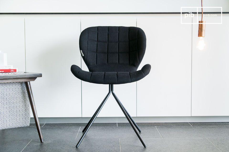 Lasciatevi sedurre dal bellissimo design e dalle forme morbide e tondeggianti della sedia Hetsik