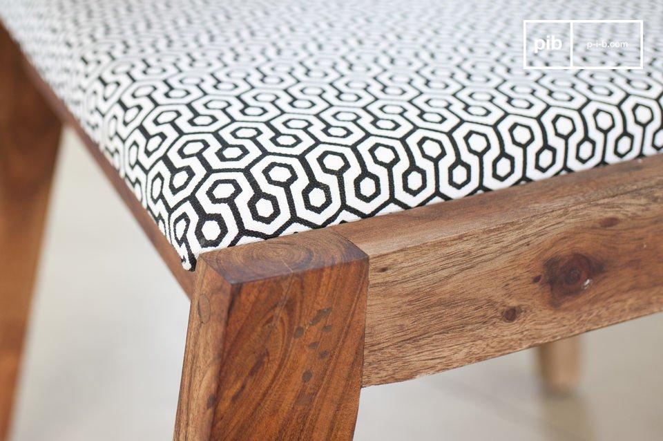 Una sedia confortevole in pieno stile Scandinavo anni '50