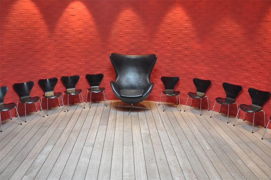 sedie di pelle con poltrona