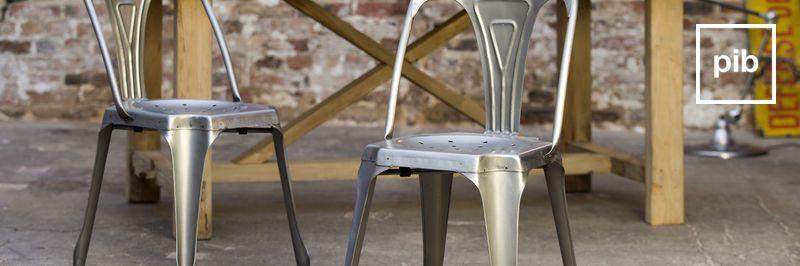 Sedie industrial in metallo, presto di nuovo in collezione