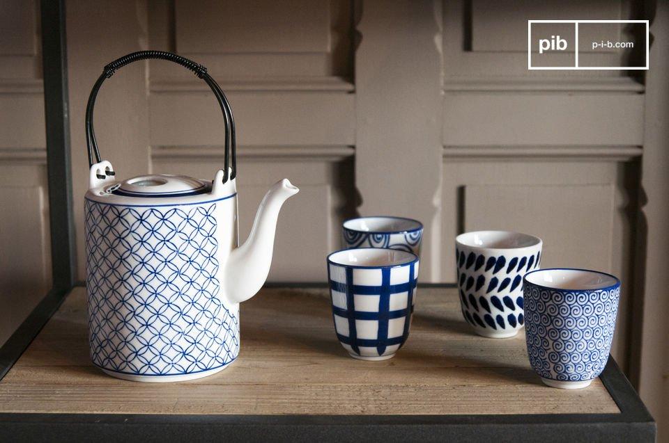 Un affascinante set da tè realizzato in porcellana