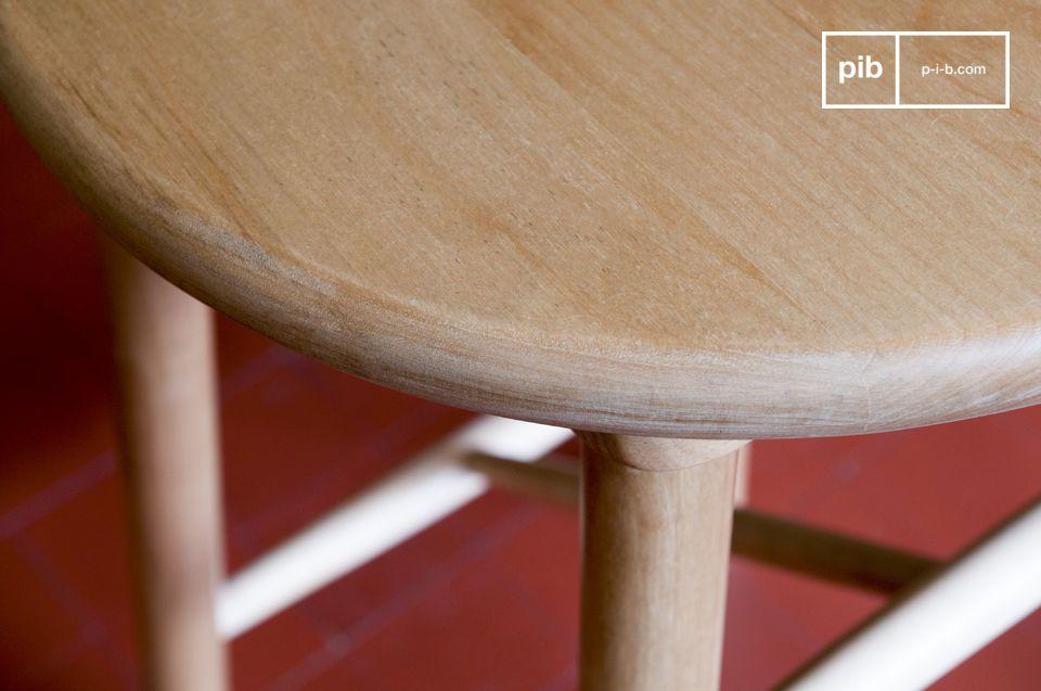 Realizzato in legno di betulla