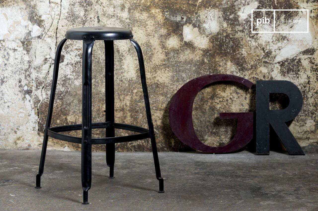 Sgabello Design Industriale : Sgabello industrial con rivetti comodi ed impilabili pib