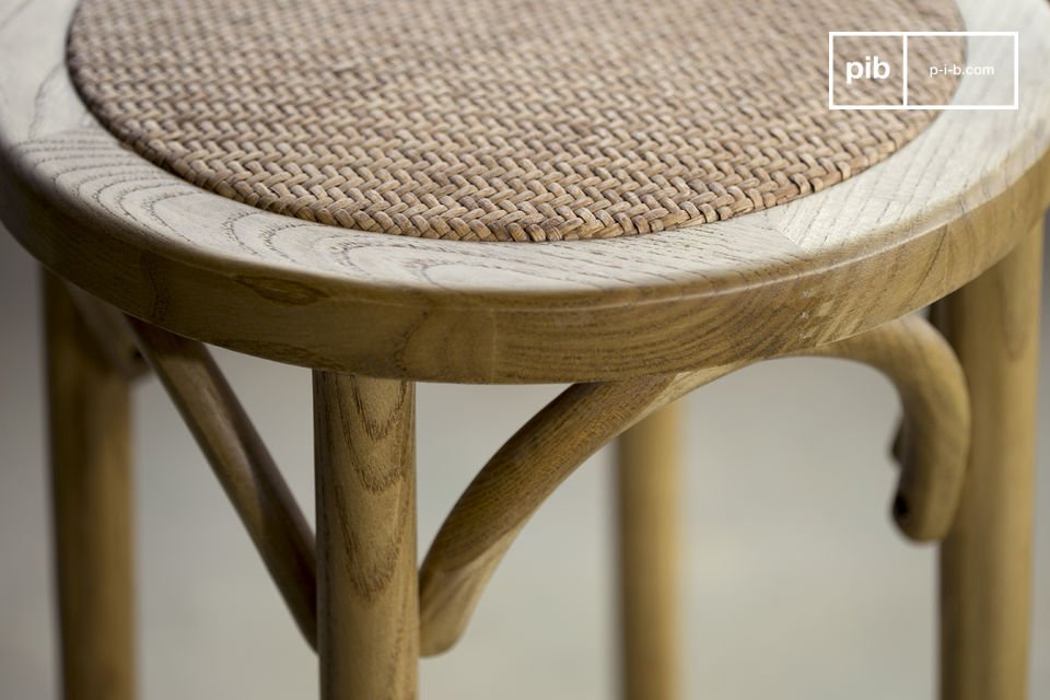 Questo sgabello è molto robusto e perfetto per un uso quotidiano