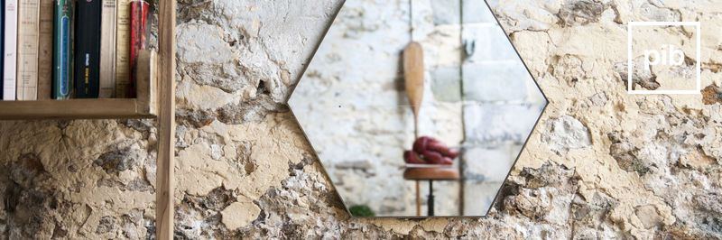 Specchi moderni scandinavi, presto di nuovo in collezione
