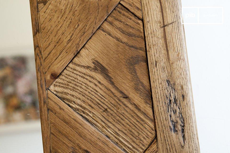 Uno specchio eccezionale in formato XXL, realizzato con parquets di antico legno di quercia