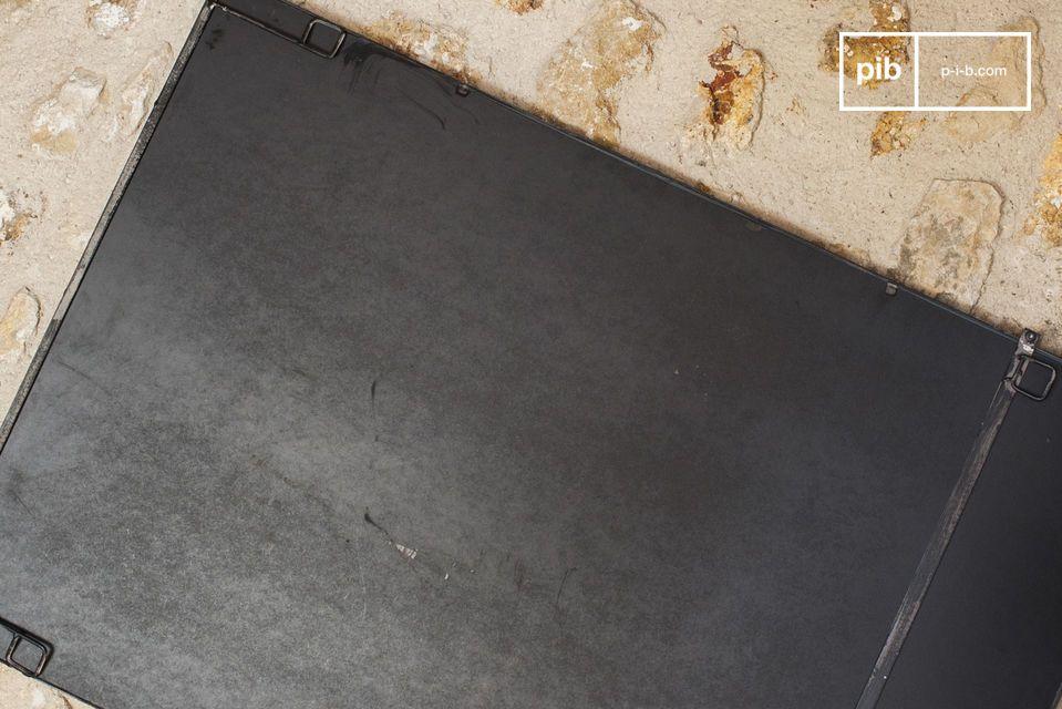 Lo specchio in metallo industriale a 6 sezioni è un accessorio di decorazione a parete che dona un
