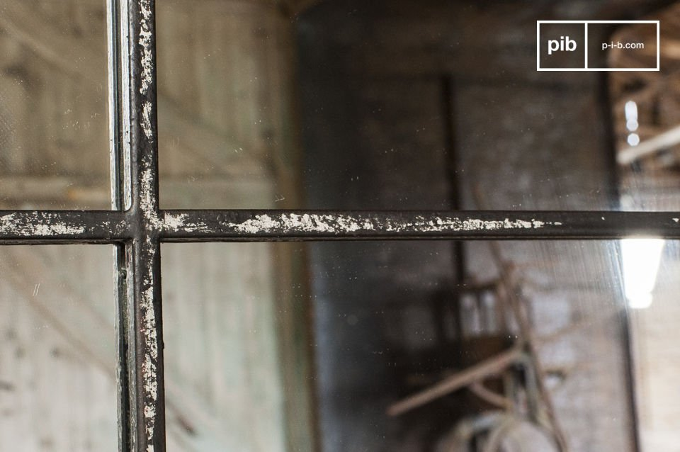 Specchio in stile industriale per un arredamento vintage