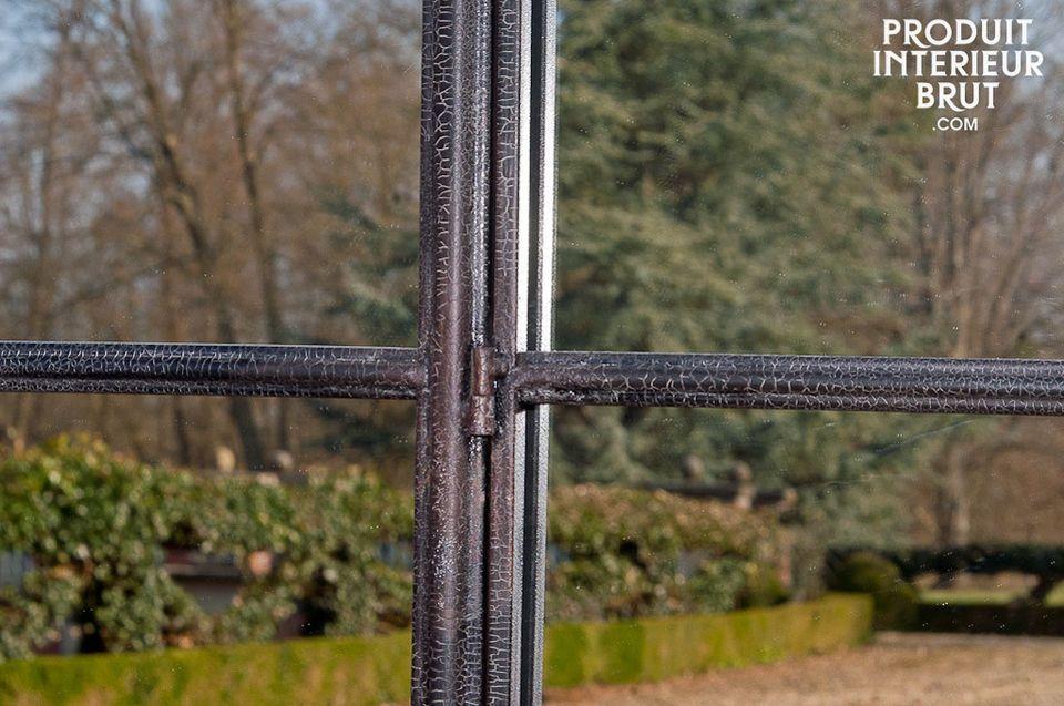 Grande specchio ad arco in metallo