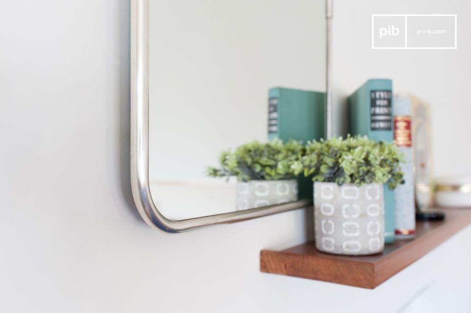 Bellissimo specchio rettangolare